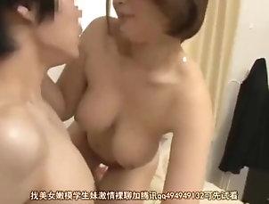 mom big tits boobs sex threesome