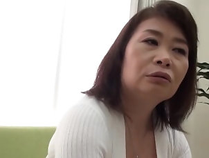 mom;mother,MILF;Japanese 恥じらうおばさん1