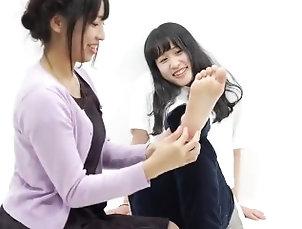kink;tickle;ticklish;tickling,Lesbian;Feet;Japanese Cute Tickling